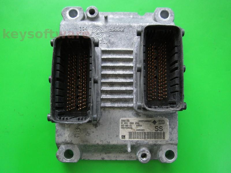 ECU Opel Corsa C 1.2 55352622 0261208253 ME7.6.2 Z12XEP {